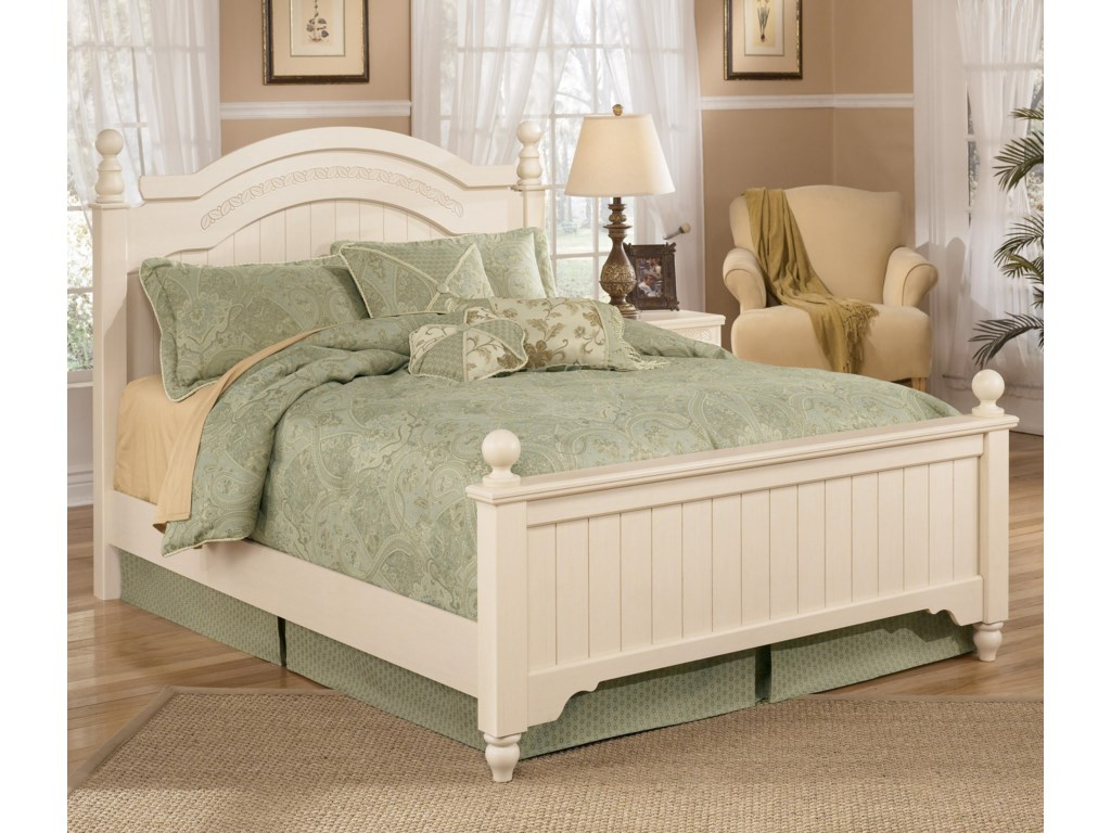 Signature Design by Ashley Cottage RetreatQueen Size Poster Bed