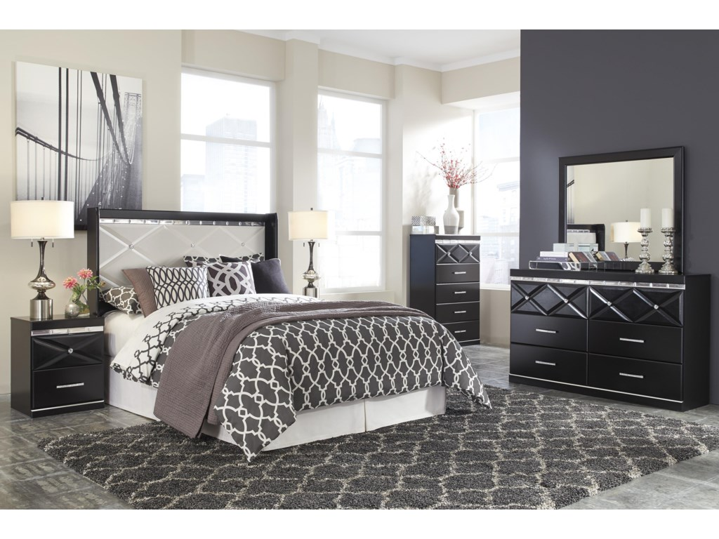 Signature Design by Ashley FanceeQueen Bedroom Group