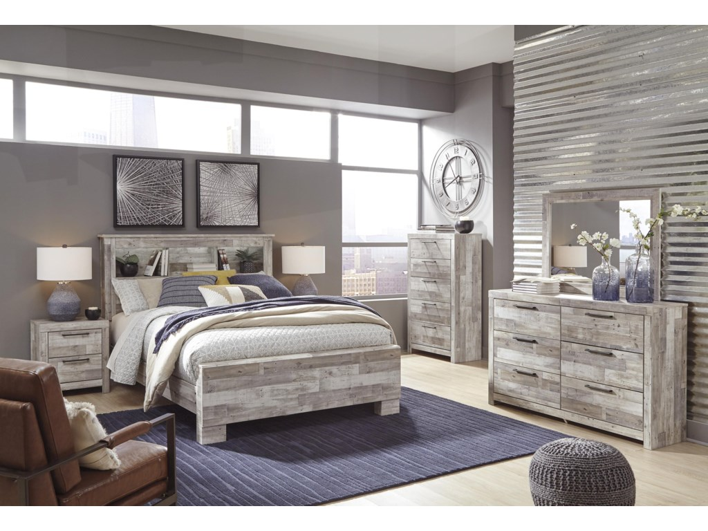 Signature Design by Ashley EffieKing Panel Bed Package