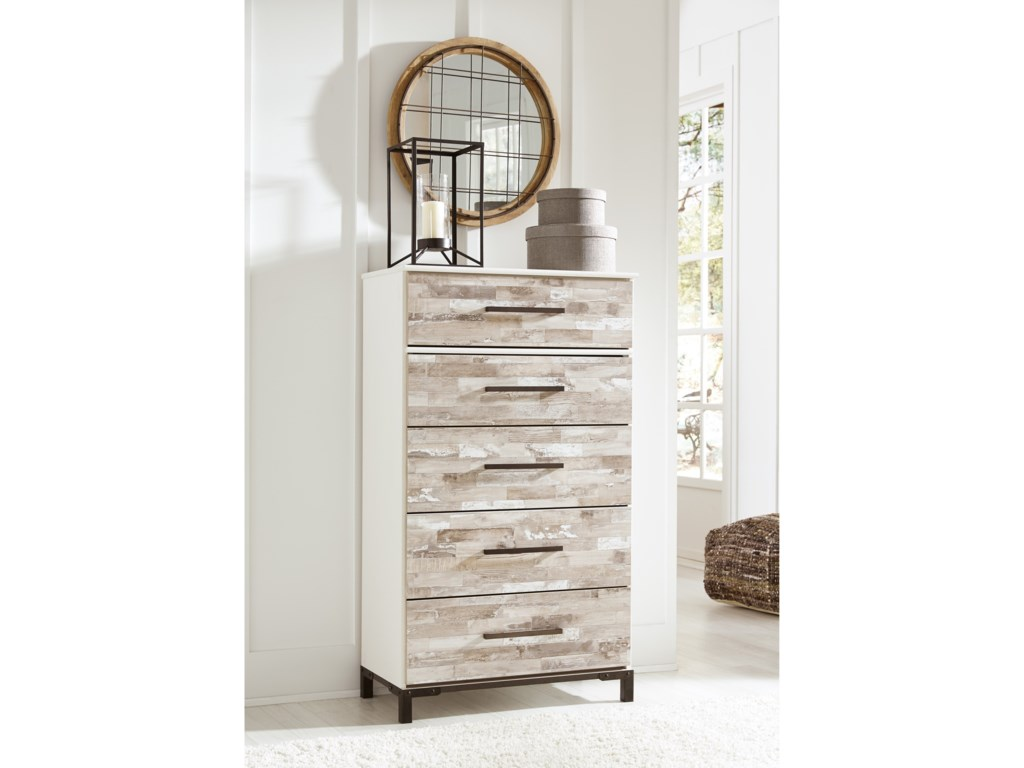 Signature Design by Ashley Evanni Five Drawer Chest