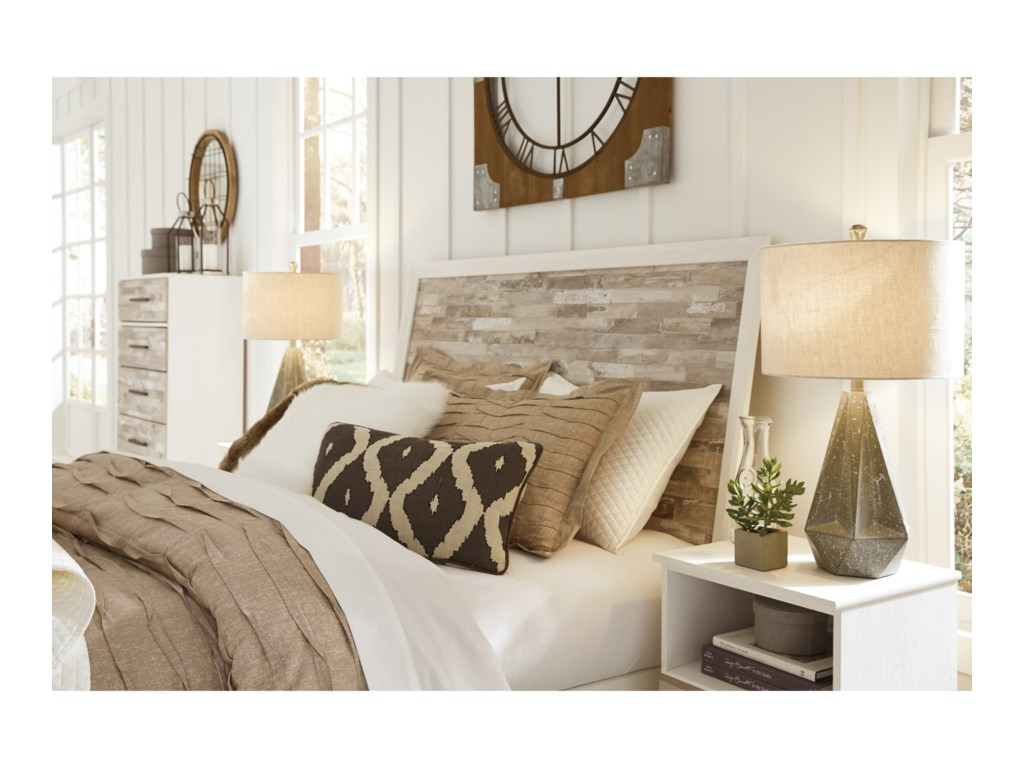Signature Design by Ashley EvanniQueen Panel Bed