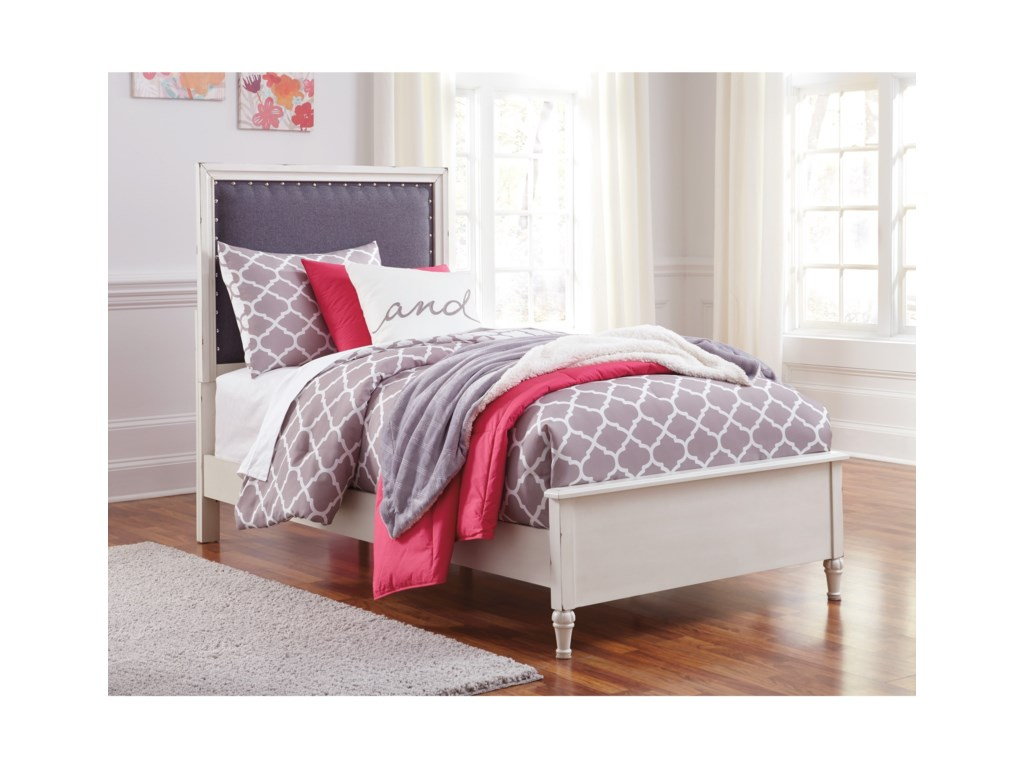 Signature Design by Ashley FaeleneTwin Upholstered Bed
