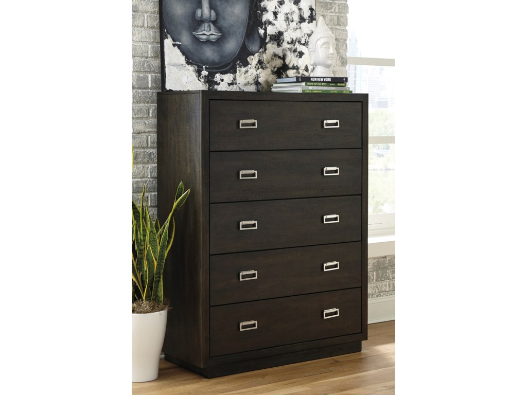 Signature Design by Ashley Hyndell5-Drawer Chest