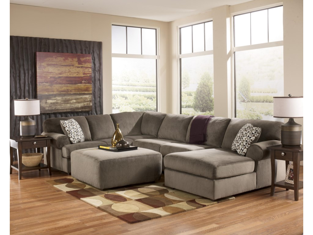 Signature Jessa Place - DuneSectional Sofa with Right Chaise