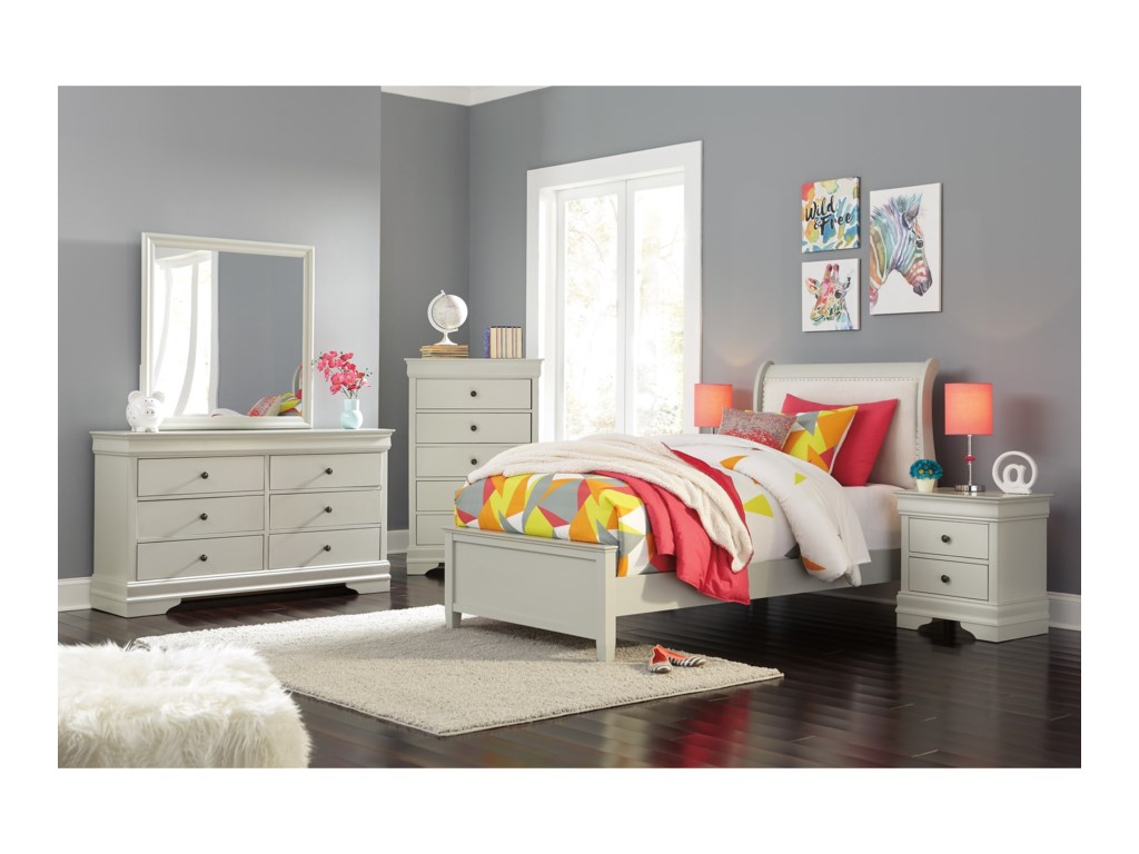 Signature Design by Ashley JorstadFull Sleigh Bed