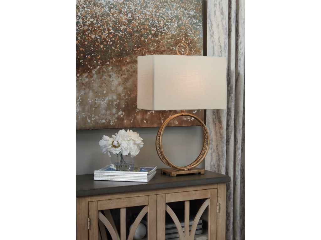 Signature Design by Ashley Lamps - ContemporaryMahala Antique Gold Metal Table Lamp