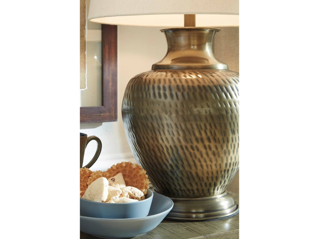 Signature Design by Ashley Lamps - Traditional ClassicsEviana Antique Brass Metal Table Lamp