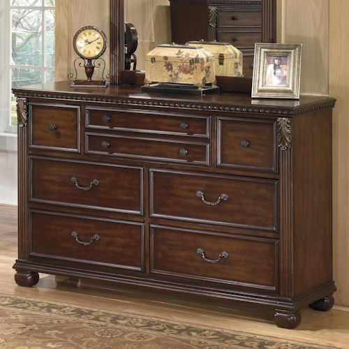 Signature Design by Ashley Leahlyn Traditional 7-Drawer Dresser with  Fluted Pilasters