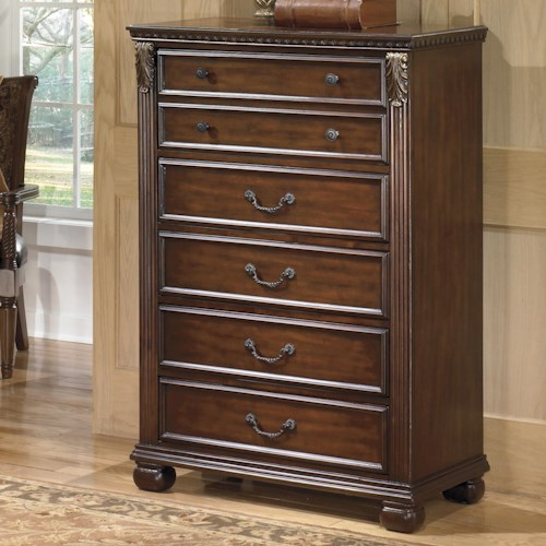 Signature Design by Ashley Leahlyn Traditional 5-Drawer Chest with  Fluted Pilasters