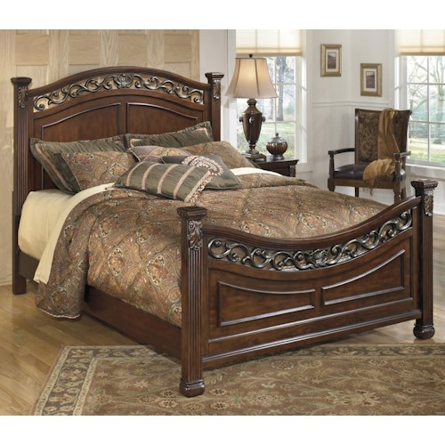 Signature Design by Ashley Leahlyn Traditional Queen Panel Bed with Decorative Headboard and Footboard
