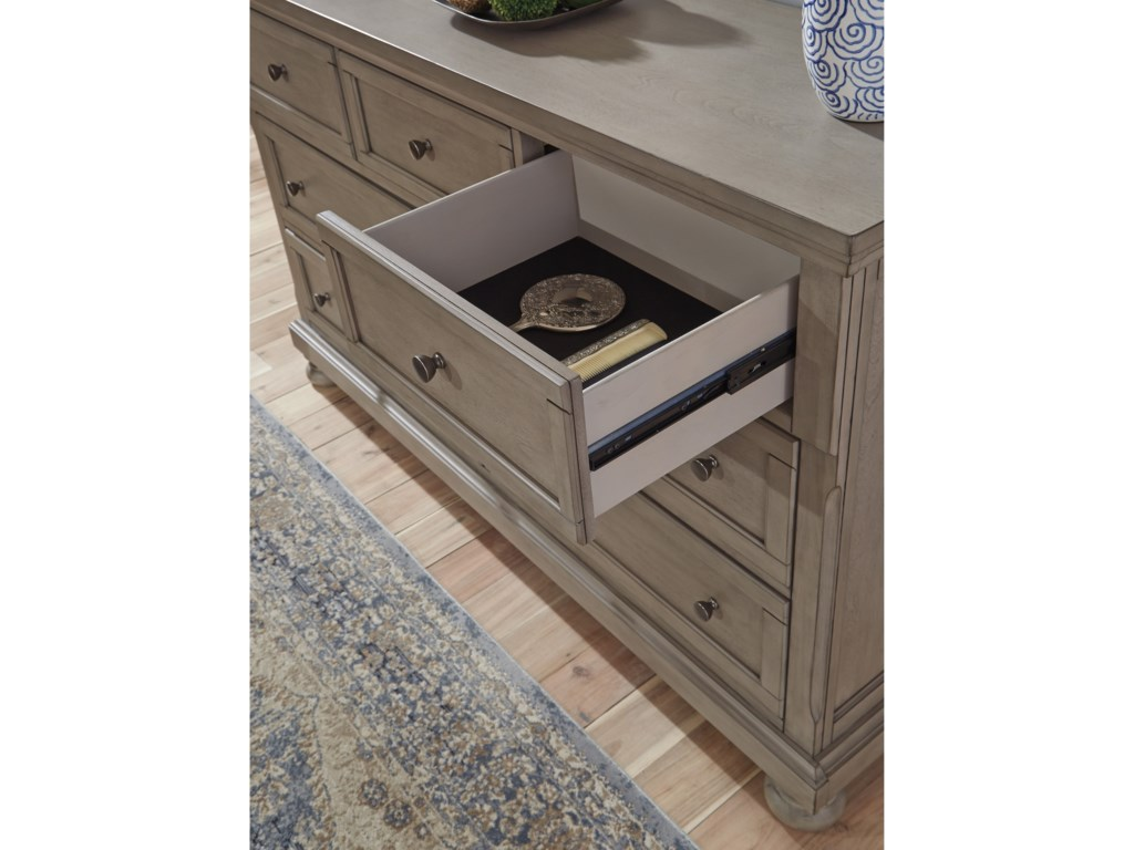 Signature Design by Ashley Lettner7-Drawer Dresser and Mirror Set