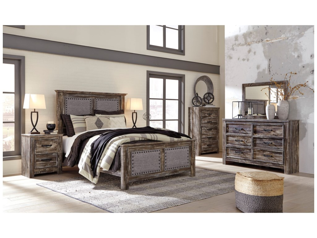 Signature Design by Ashley LynntonQueen Bedroom Group