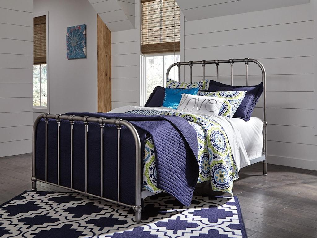 Morris Home NashburyNashbury Queen Metal Bed