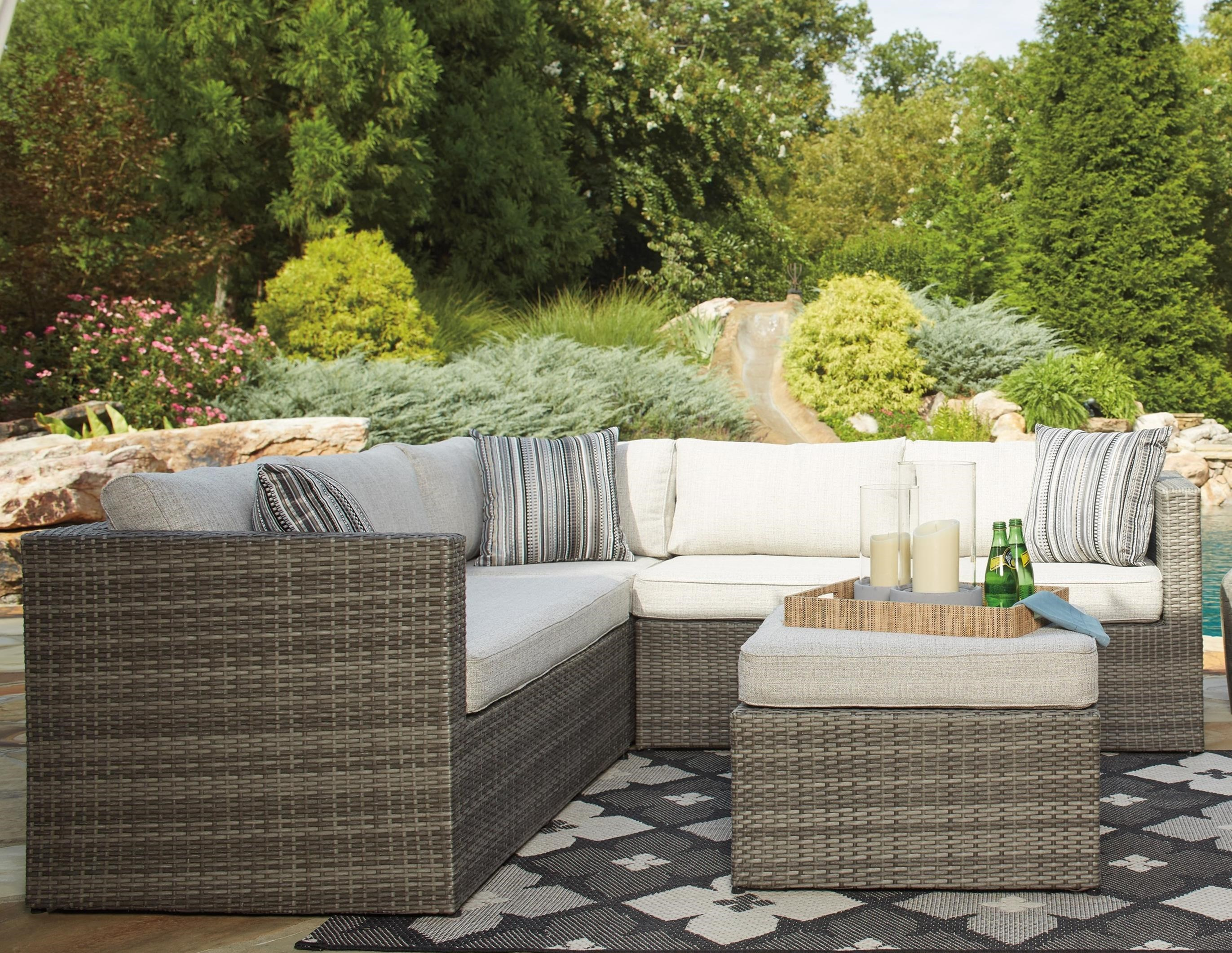 Attirant Signature Design By Ashley Peckham ParkOutdoor Sectional Set With Ottoman  ...