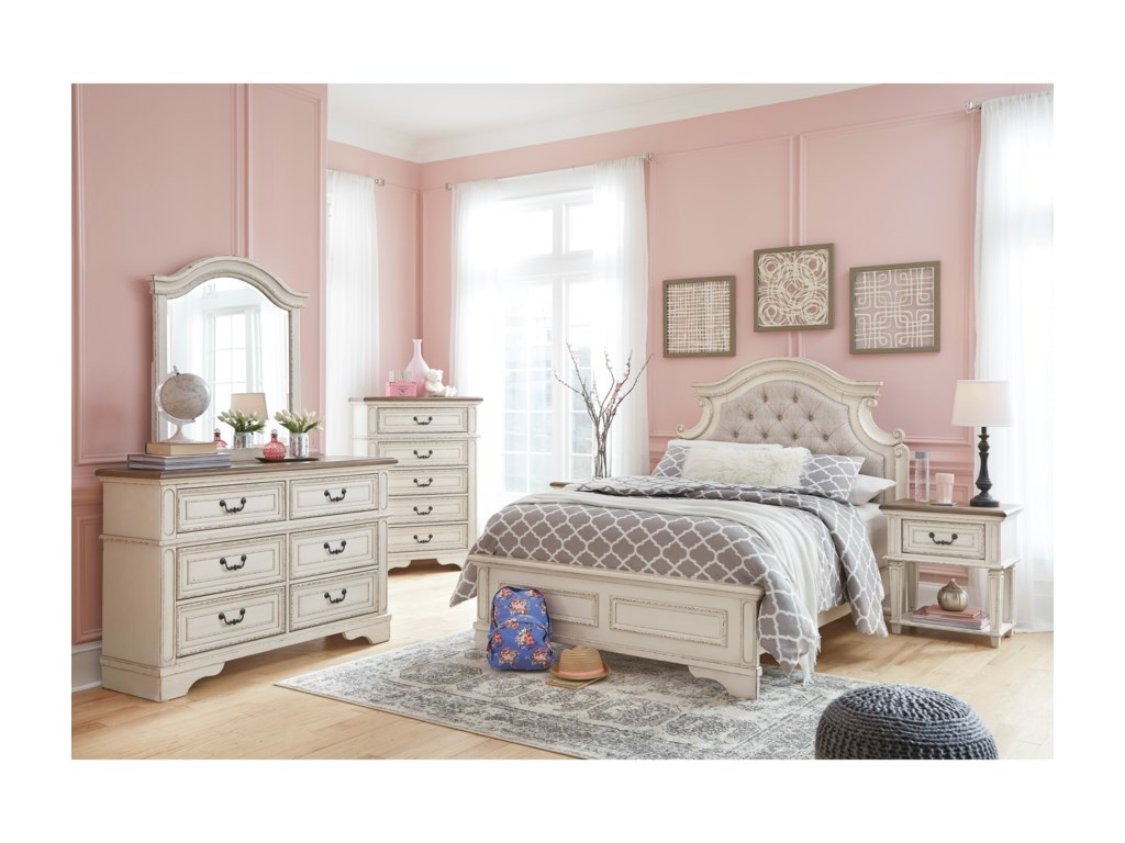 Signature Design by Ashley RealynFull Bedroom Group