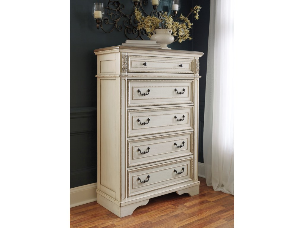 Signature Design by Ashley Realyn5-Drawer Chest