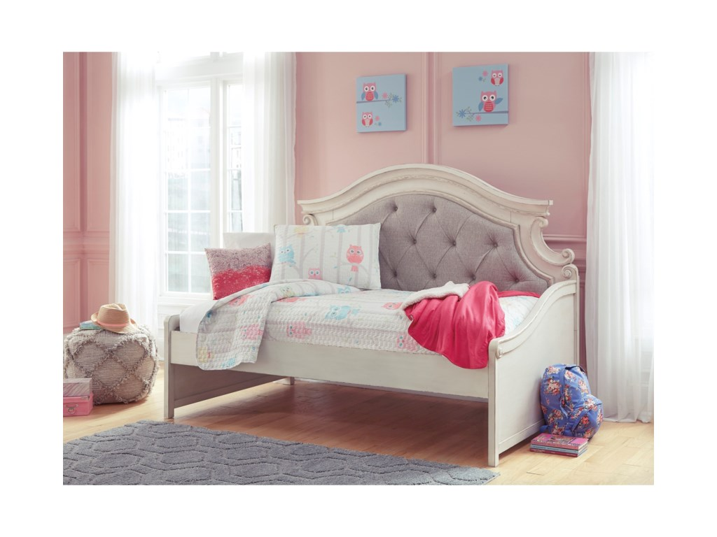 Signature Design by Ashley RealynTwin Day Bed
