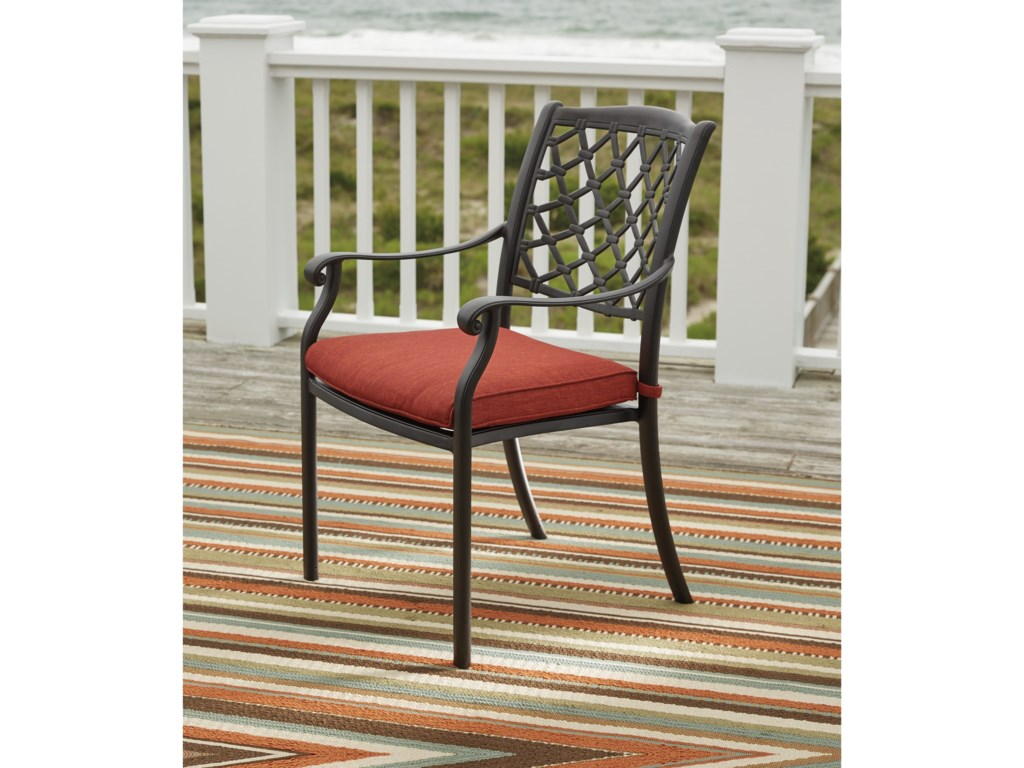 Signature Design by Ashley TanglevaleSet of 4 Outdoor Chairs with Cushion