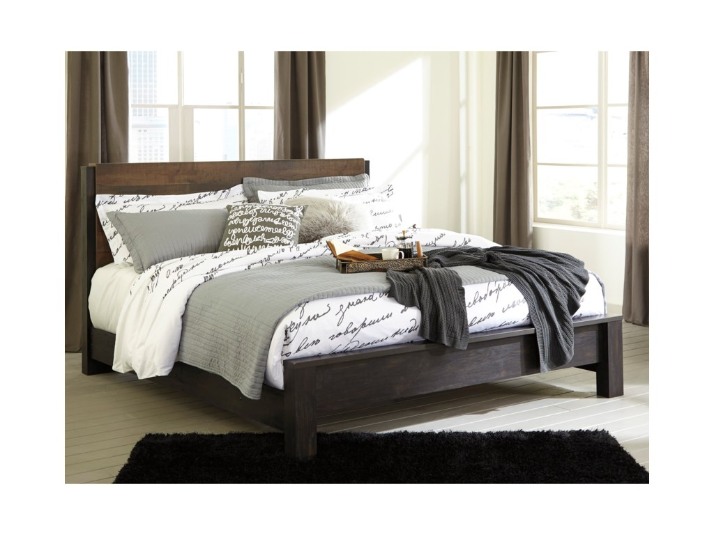 Signature Design by Ashley WindloreKing Panel Bed