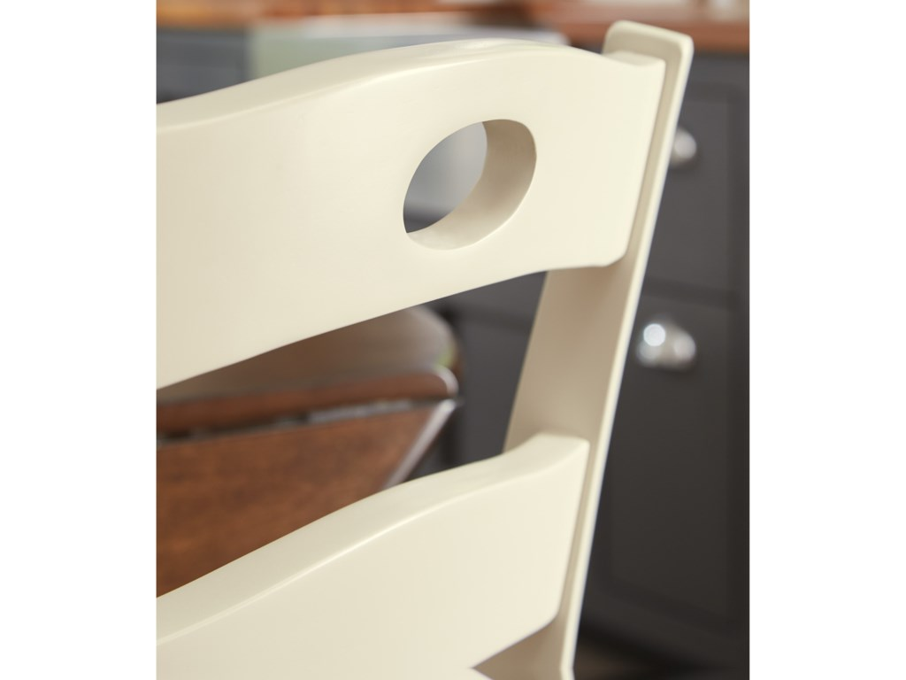 Signature Design by Ashley BrookfieldDining Room Side Chair