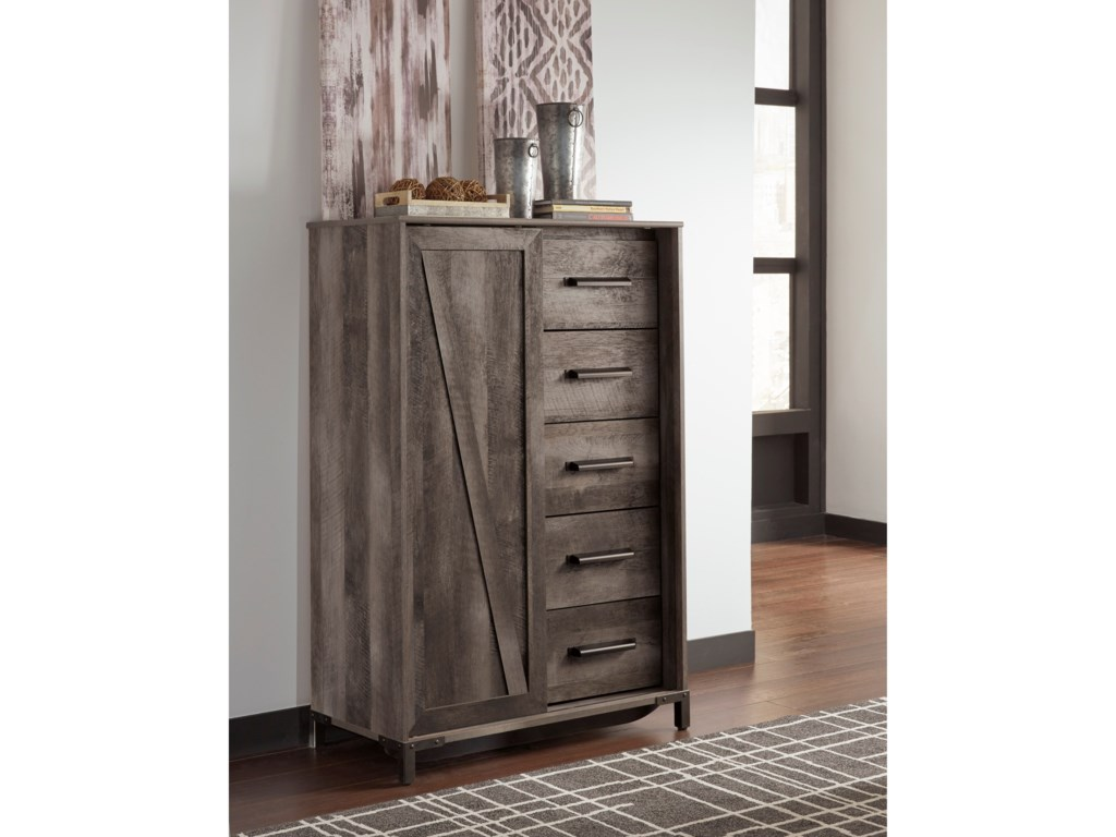 Signature Design by Ashley WynnlowDressing Chest