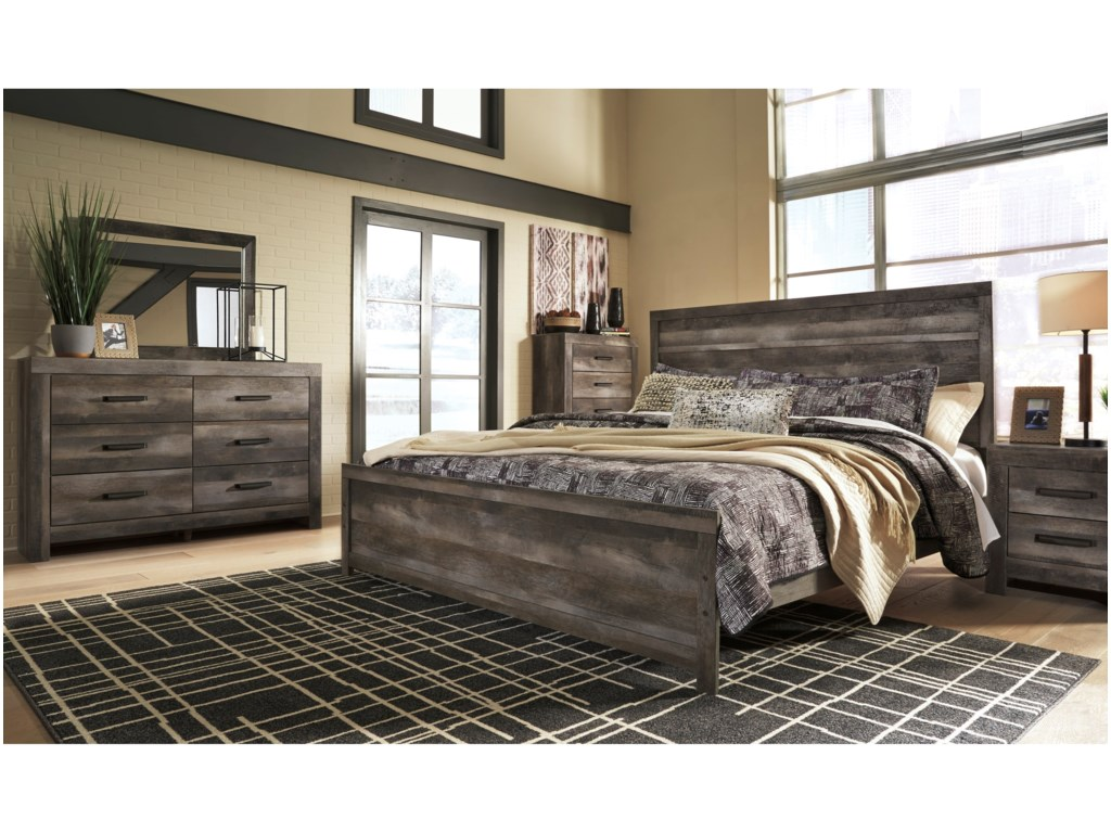 Signature Design by Ashley WynnlowKing Panel Bed