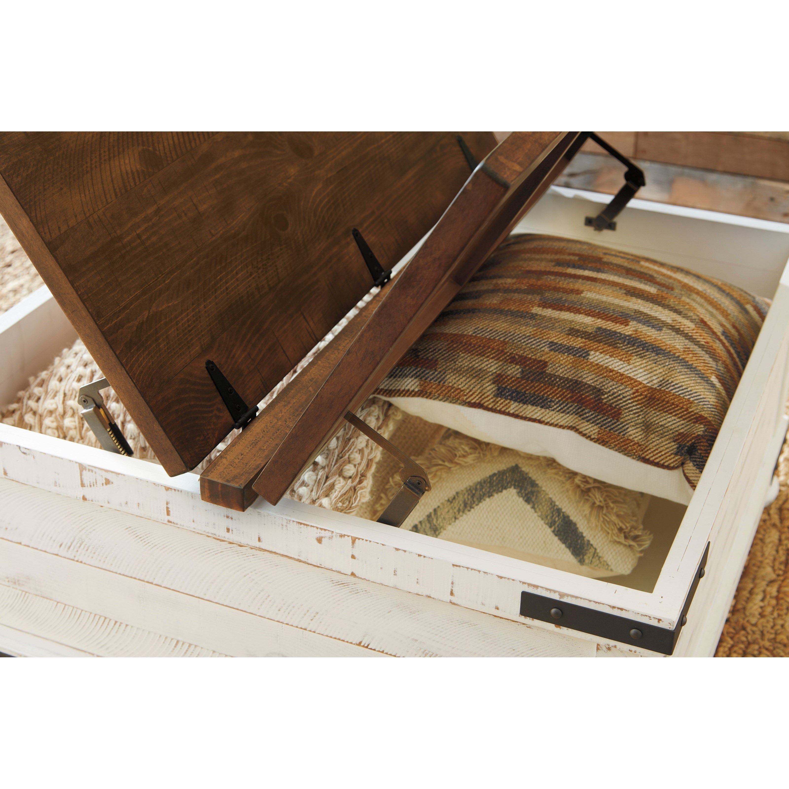 Wystfield Farmhouse Chairside End Table Signature Design by Ashley White//Brown