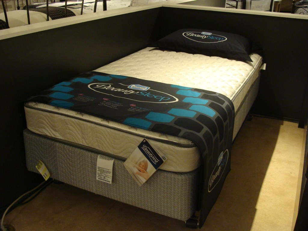 Simmons BeautySleep FirmQueen Firm Mattress Only