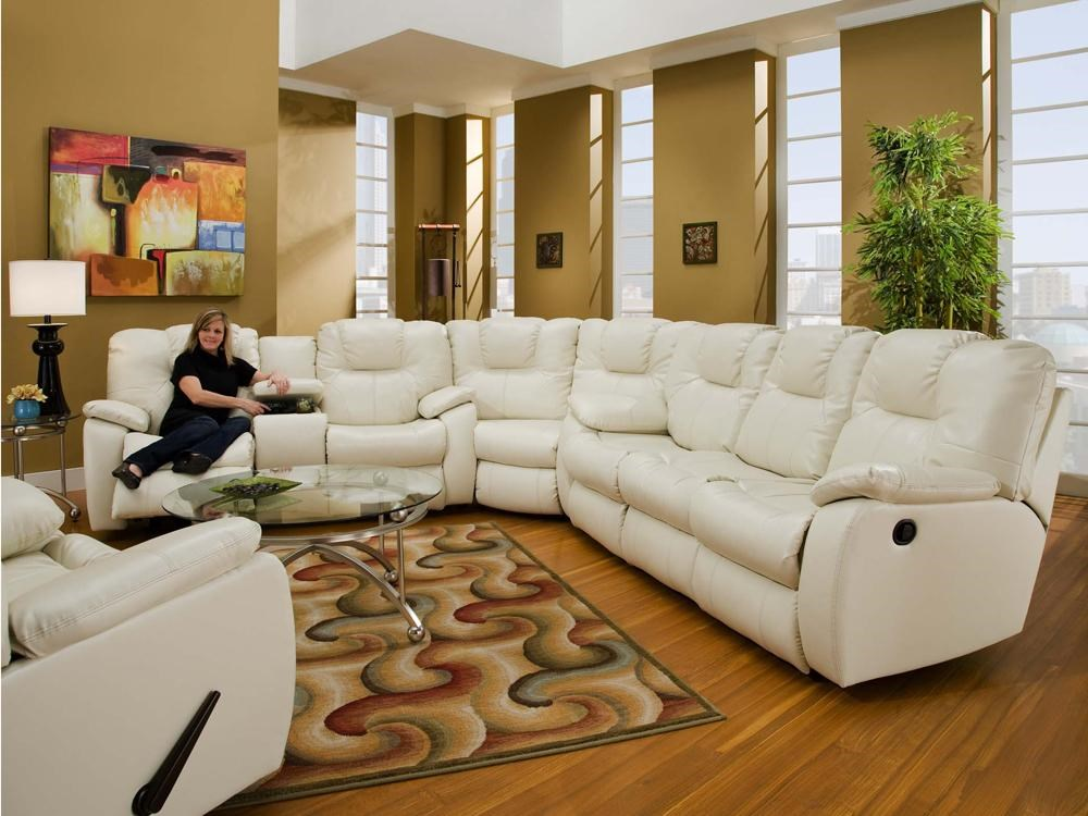 Southern Motion Avalon 838 28 83 31 Three Piece Sectional Sofa