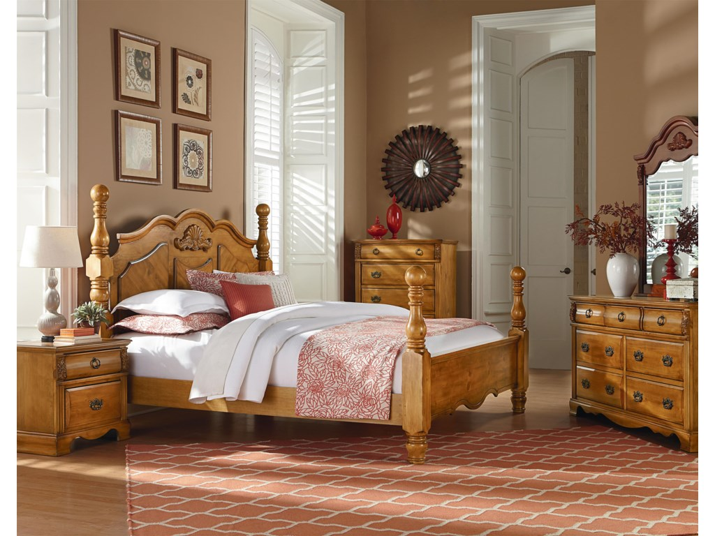 Standard Furniture GeorgetownTraditional Cannonball Poster Queen Bed
