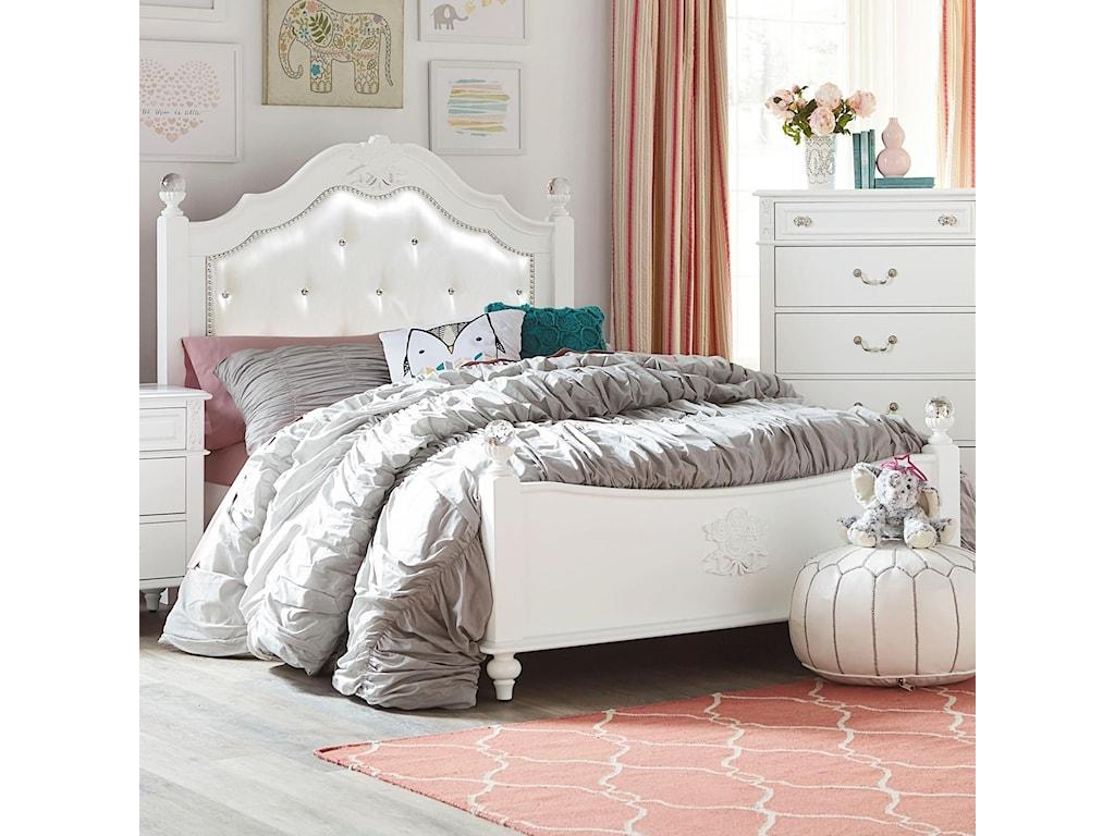 Standard Furniture OliviaFull Poster Bed