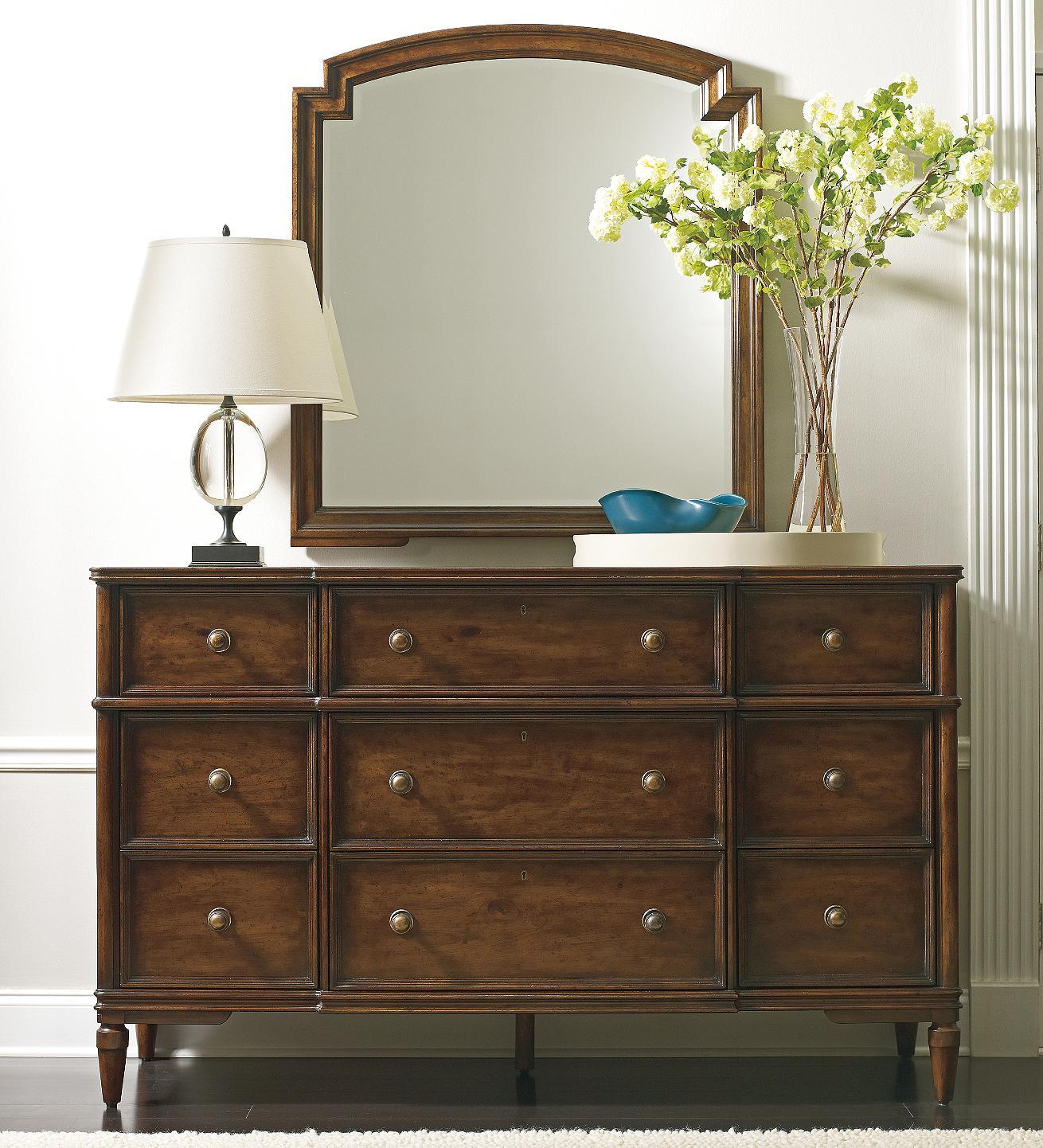 Stanley Furniture Vintage Antiqued Dresser \u0026 Mirror Set