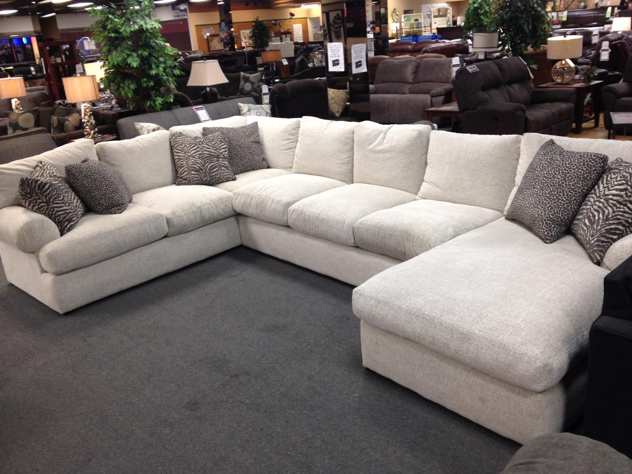 Stanton 329 Casual 3 PC Sectional