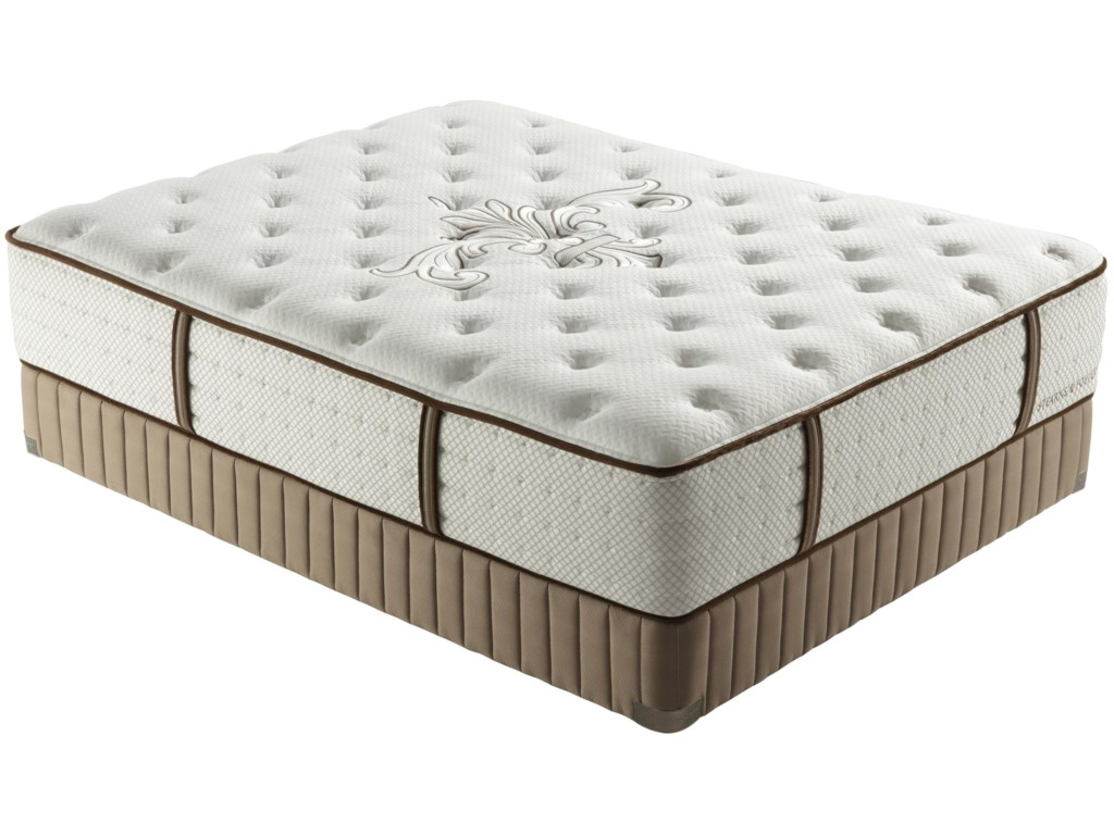 Stearns & Foster Lux Estate 2012Cal King Luxury Plush Mattress
