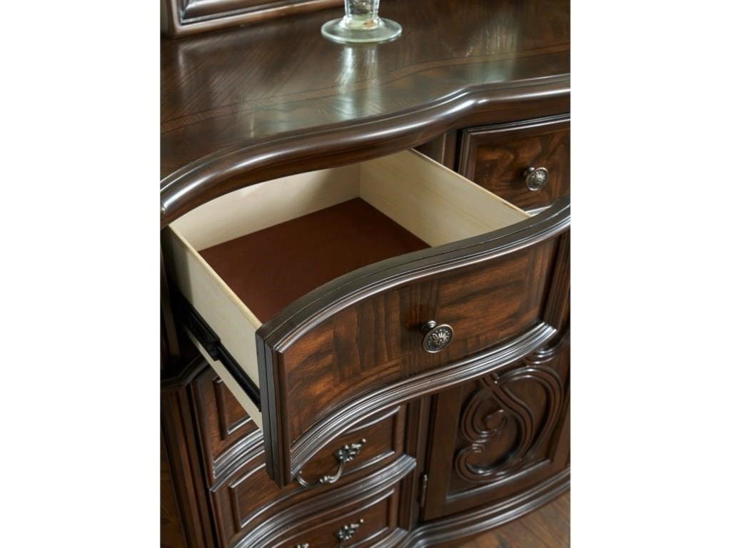 Steve Silver RoyaleQueen Bed, Dresser, Mirror & Nightstand