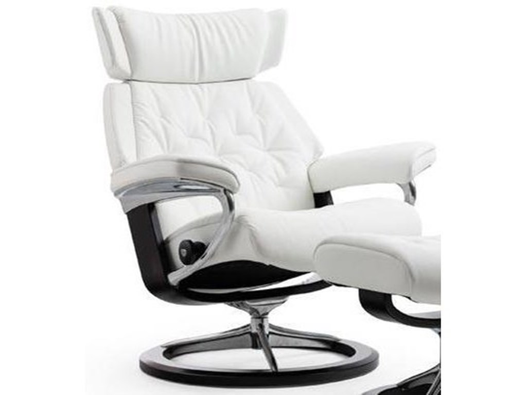 Stressless SkylineSmall Reclining Chair with Signature Base