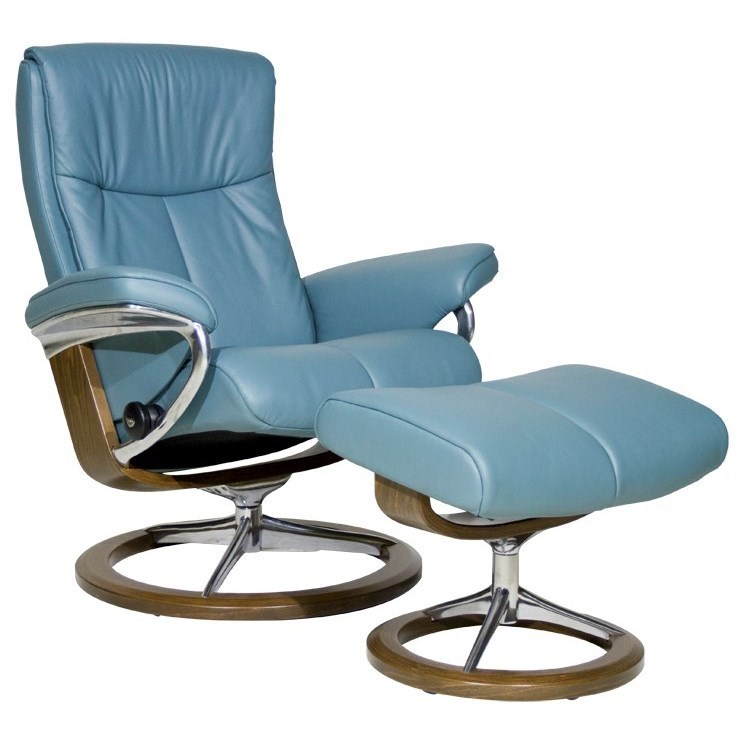 Stressless PeaceMedium Chair & Ottoman with Signature Base