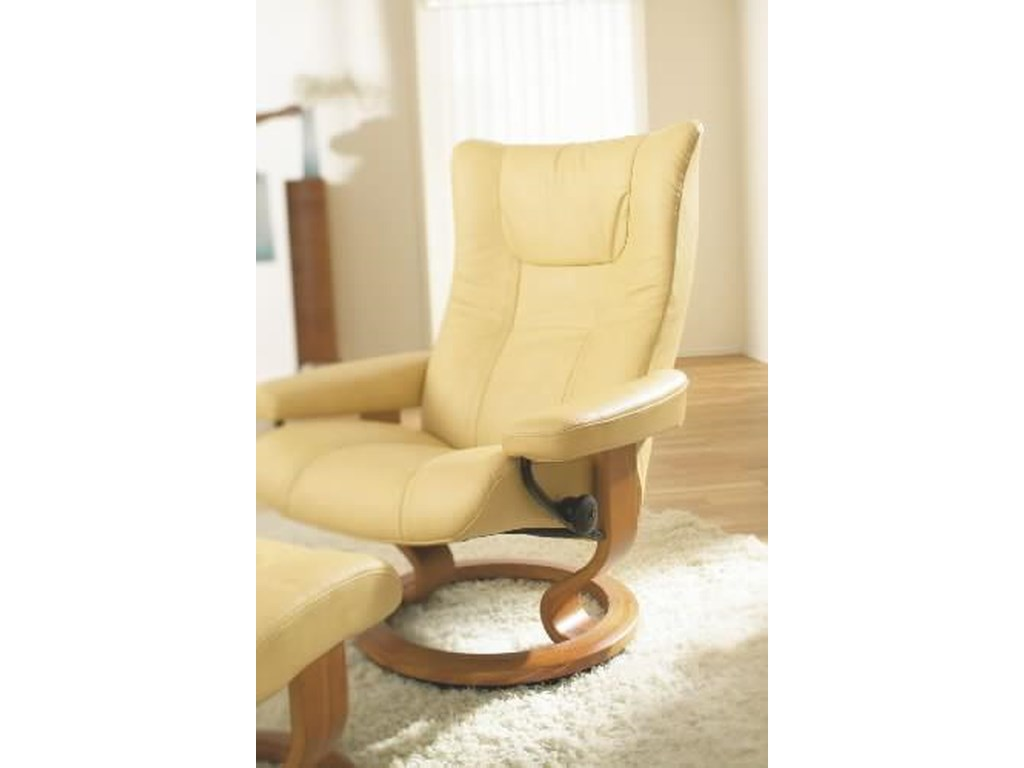Stressless WingMedium Chair & Ottoman with Classic Base