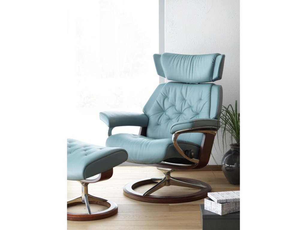Stressless SkylineLarge Chair & Ottoman with Signature Base