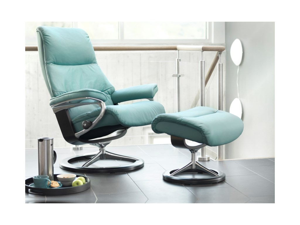 Stressless ViewLarge Chair & Ottoman with Signature Base