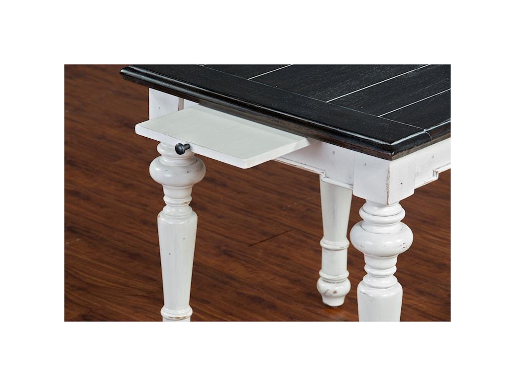 VFM Signature Carriage HouseEnd Table
