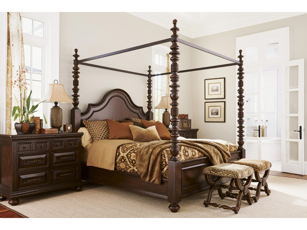 Tommy Bahama Home KilimanjaroQueen Candaleria Poster Bed