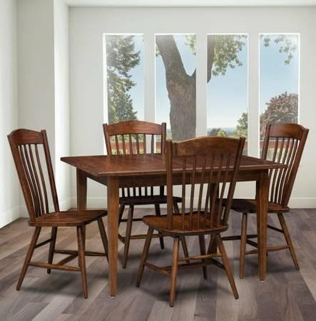 Trailway Wood Freeport 5-Piece Solid Wood Dining Table Set - Old