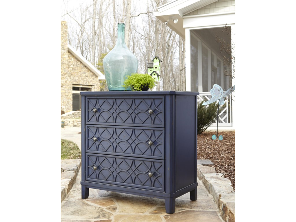 Trisha Yearwood Home Collection by Klaussner Trisha Yearwood HomeGwendolyn 3 Drawer Accent Chest