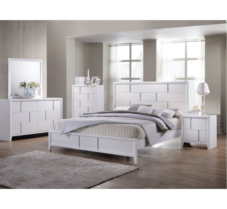 Simmons Upholstery 1011King Panel Bed
