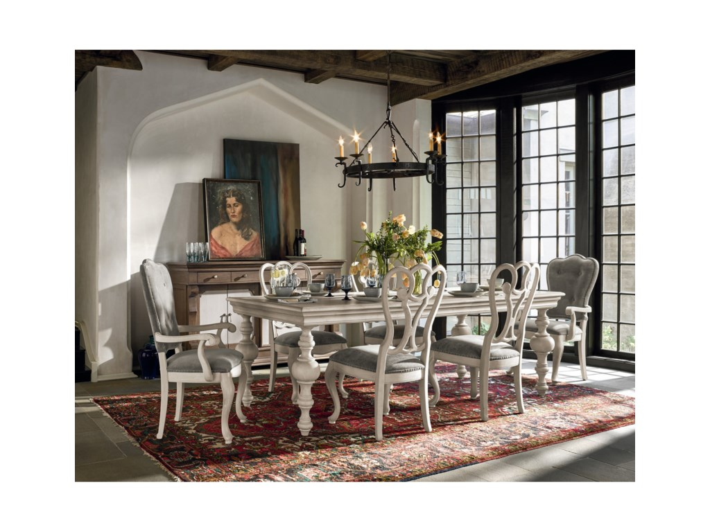 Universal Élantraditional Formal Dining Room Group