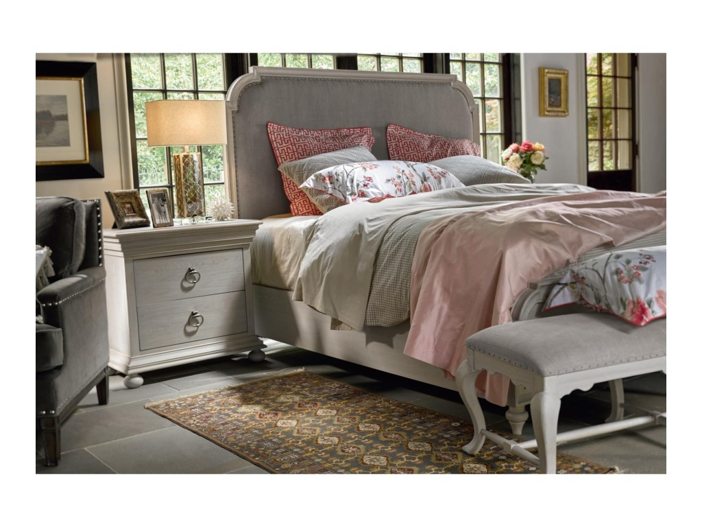 Universal ÉlanTransitional Queen Upholstered Bed