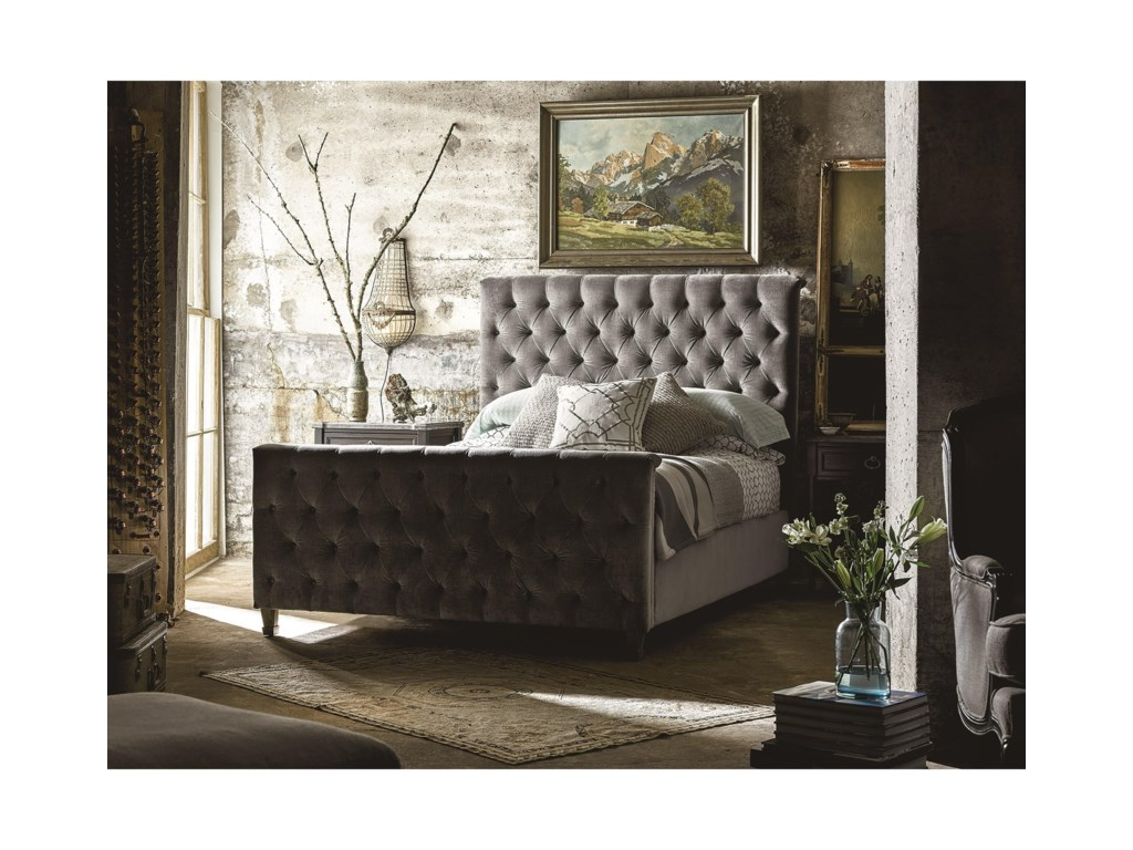 Universal AuthenticityQueen Franklin Street Bed