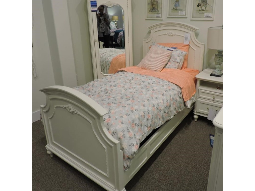Universal ClearanceTwin Panel Bed