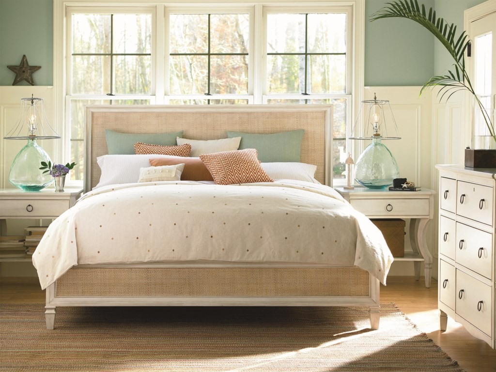 Universal Summer HillKing Woven Accent Bed